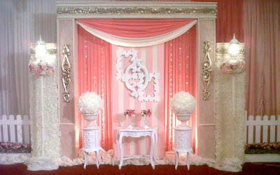 dekorasi photobooth warna pink