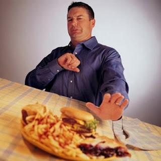 Làm sao để hạn chế chứng đầy bụng khó tiêu ngày Tết ?