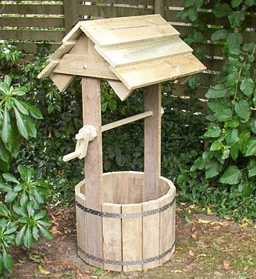 thetincat plans to build a wishing well for your garden
