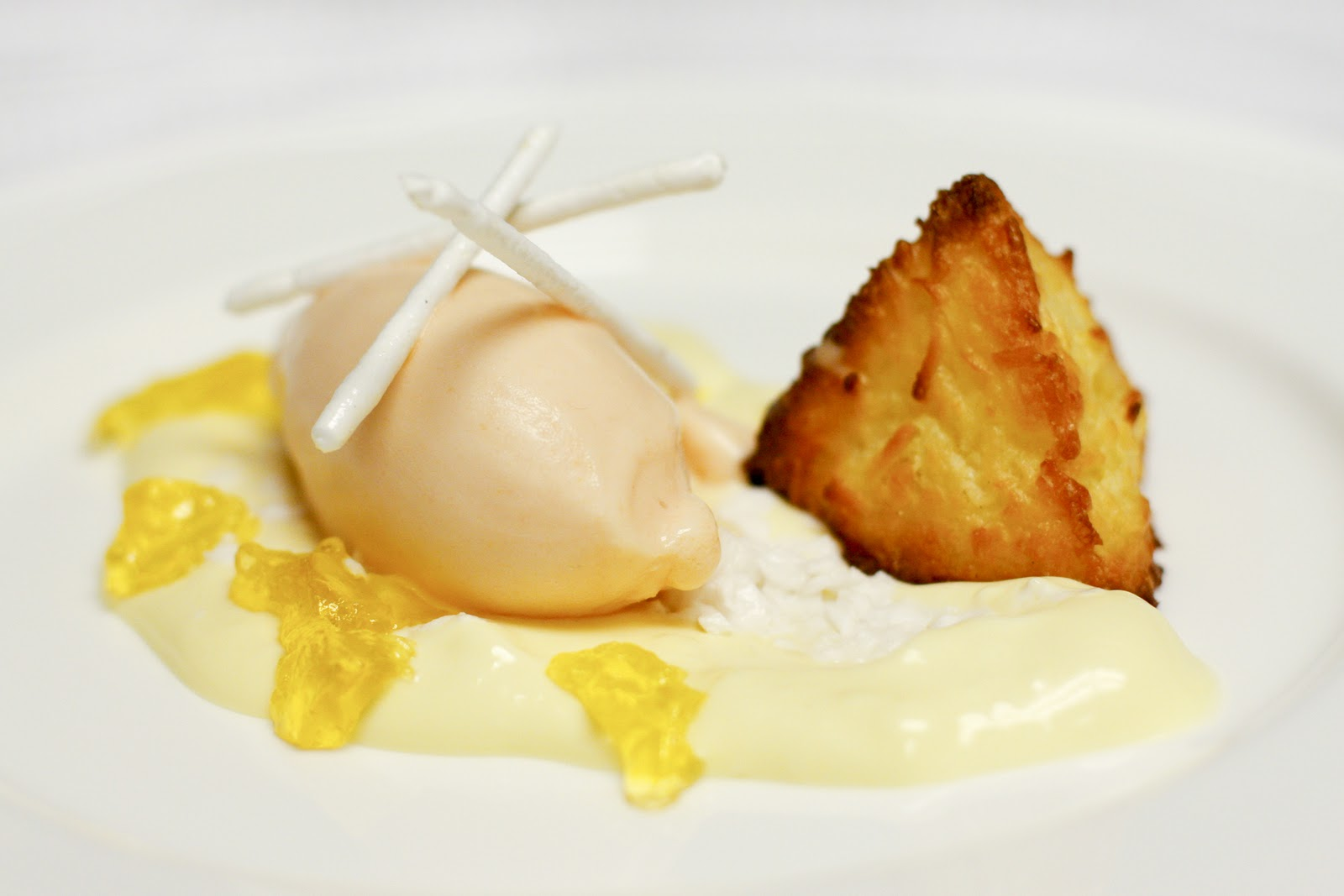 THE UNEMPLOYED EATER: Pieces of Art: New Desserts at Ray's & Stark Bar