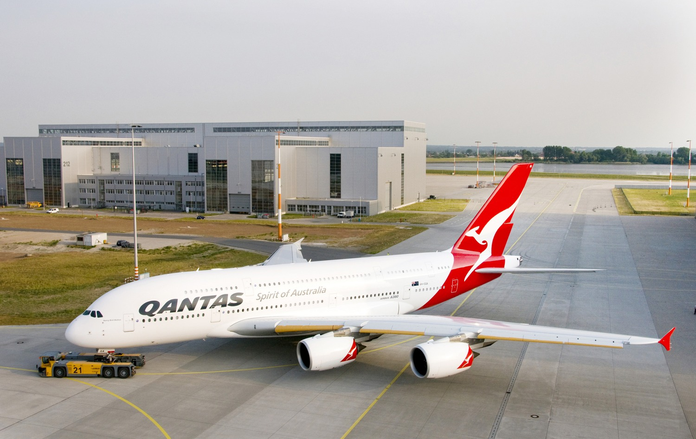 http://4.bp.blogspot.com/-SwVac519PDA/TrCB2QYn5kI/AAAAAAAAGhc/Ac_imsdEbFk/s1600/qantas_a380.jpg