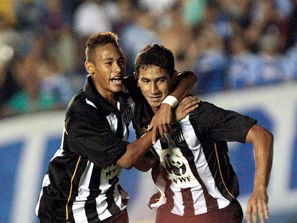 Ganso e Neymar no peixe em 2009