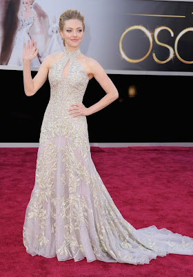AMANDA SEYFRIED RED CARPET OSCAR 2013