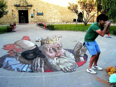 eduardo rolero - chalk art - 3-d chalk drawing - 3d chalk street art