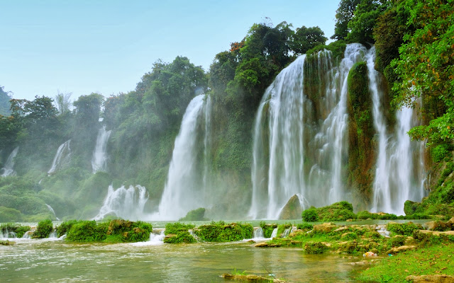 Multi waterfall at Vietnam HD Wallpaper