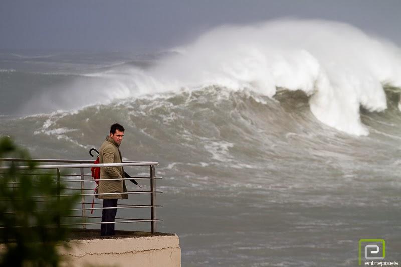 Olas del temporal marítimos de Gijón