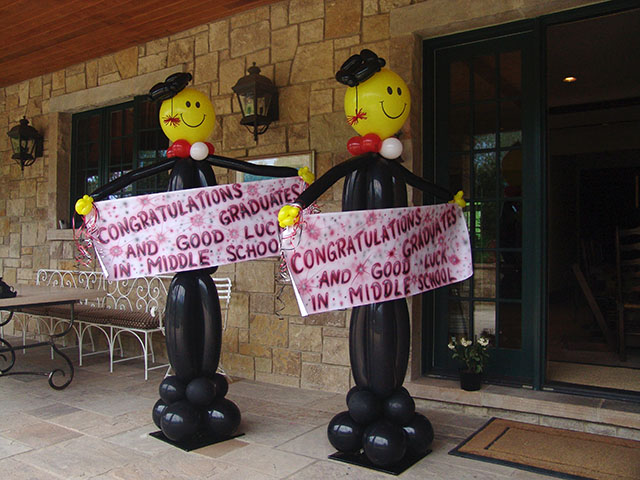 Balloon graduation balloon invitations pictures for Balloon decoration ideas for graduation