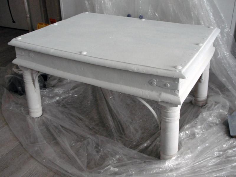 La tribu de d d e juillet 2012 for Peinture table basse