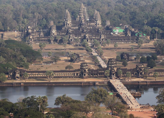 Holiday Fans travel the World RTW -family activities Budget Angkor Wat