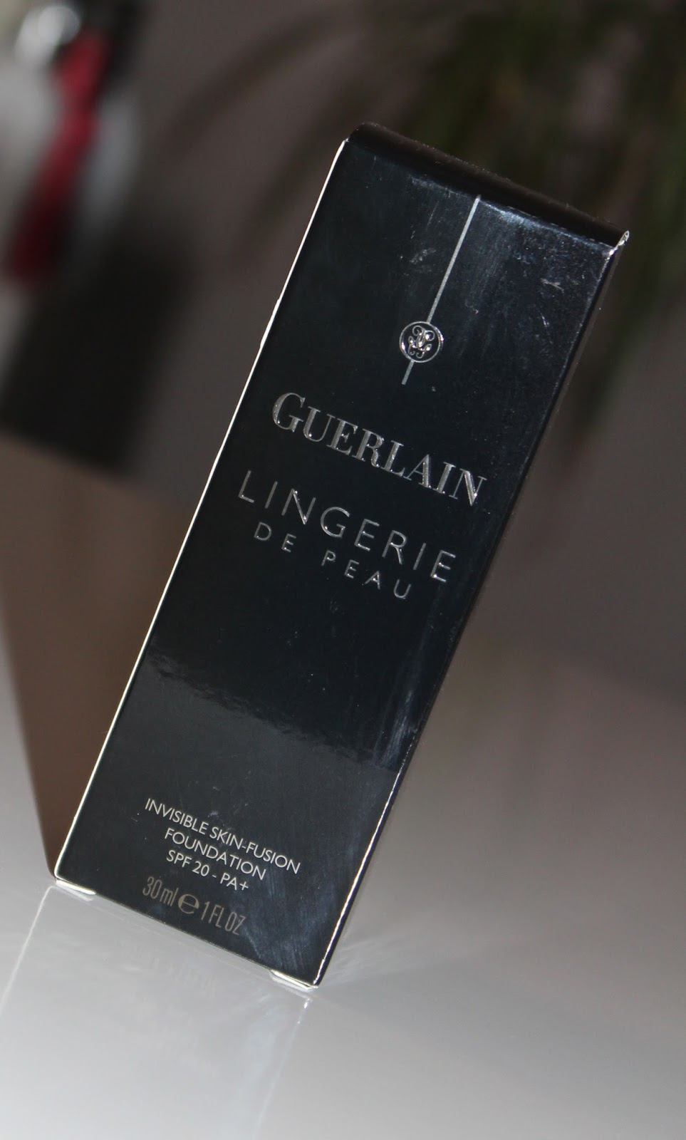 Guerlain Lingerie De Peau tekući puder u nijansi 02 Beige Claire