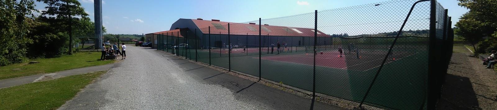 Tc gu nange le tc gu nange for Eclairage court de tennis exterieur
