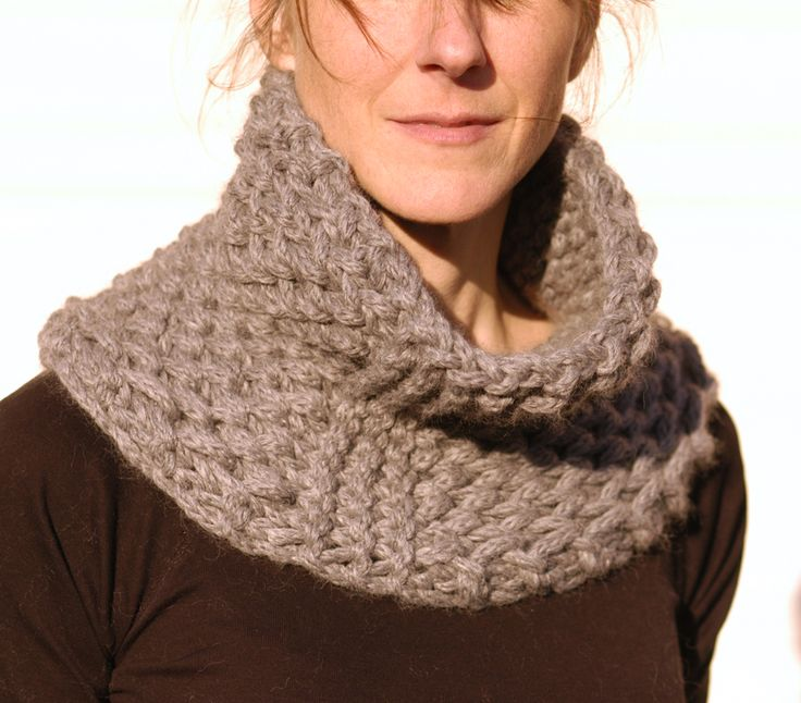 Chunky Knit Cowl Pattern Free : Oh You Crafty Gal: 7 Free One Skein Chunky Knitting Patterns That Knit up Fas...