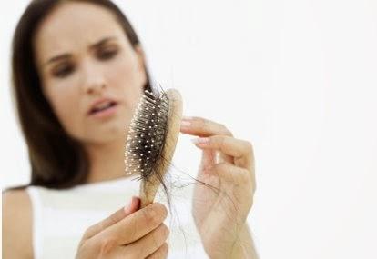 Cara Cepat Mengatasi Rambut Rontok Secara Alami
