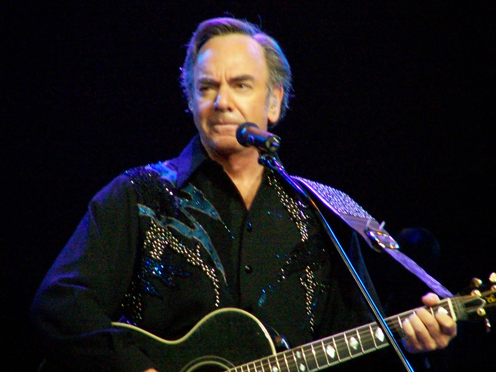 http://en.wikipedia.org/wiki/Neil_Diamond