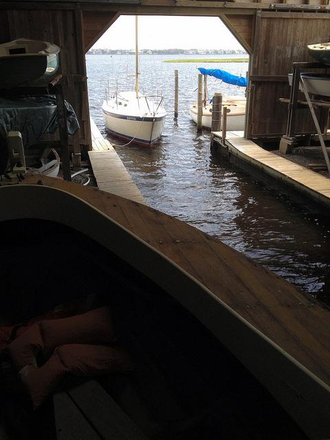 829 southdrive boat garage for Boat garages