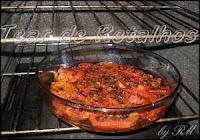 Após temperar os tomates, levar ao forno convencional por mais dez minutos para dar o último toque