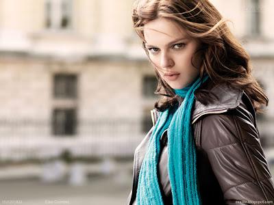 Elise Crombez HD Wallpaper