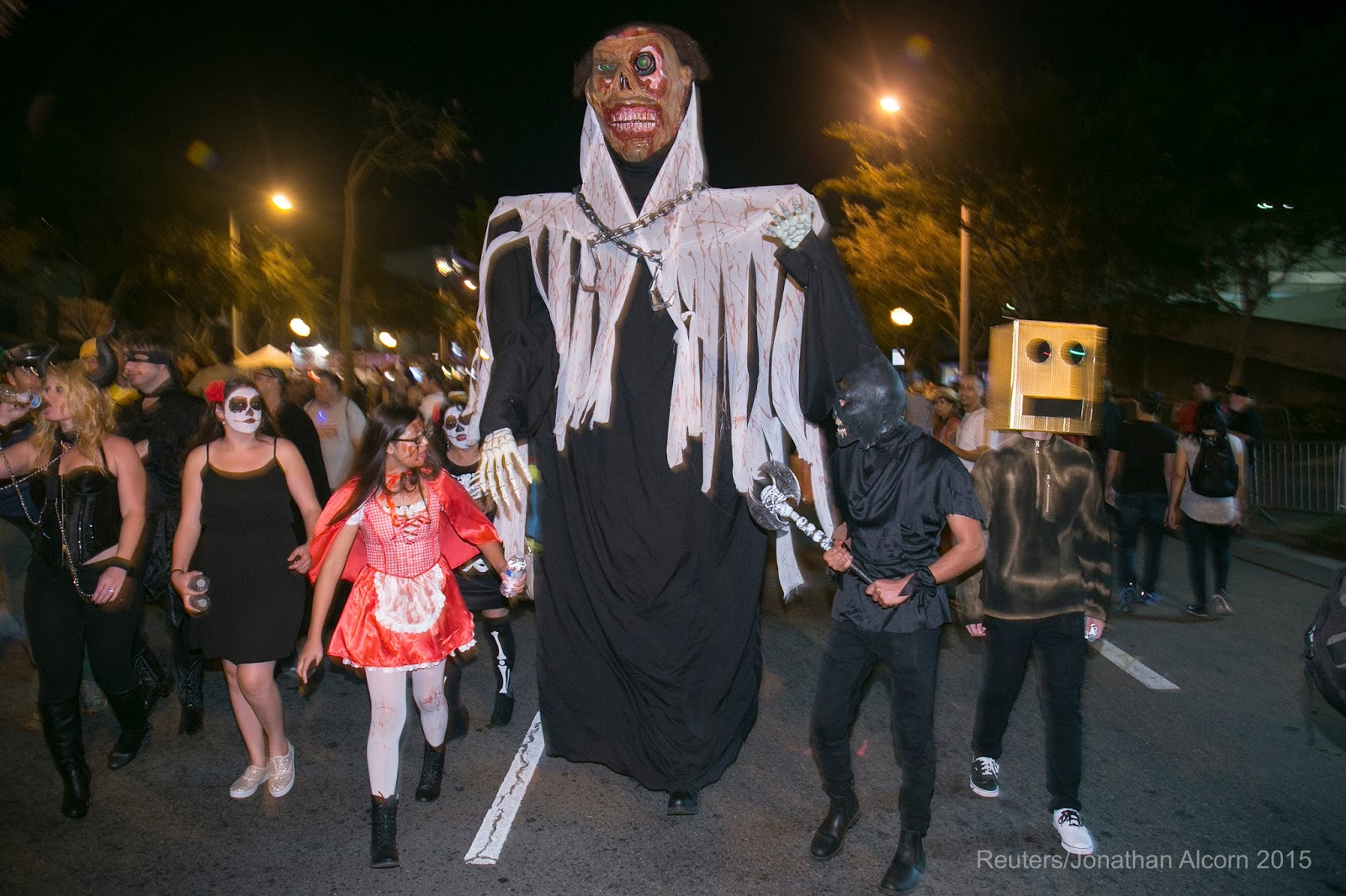 l a t i t u d e: photos! 2015 west hollywood halloween carnaval and