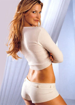 pictures of ali larter