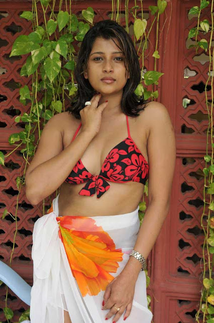 hot sri lankan actress Nadeesha Hemamali Bikini Photos