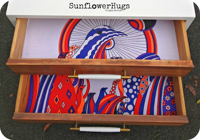http://sunflowerhugs.blogspot.com/2013/10/mid-century-modern-makeover.html