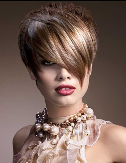 The Enchanting Short Platinum Hairstyles Women Picture