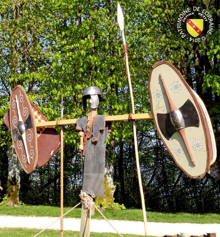 SION (54) - Journée gallo-romaine - Trophée d'armes gaulois