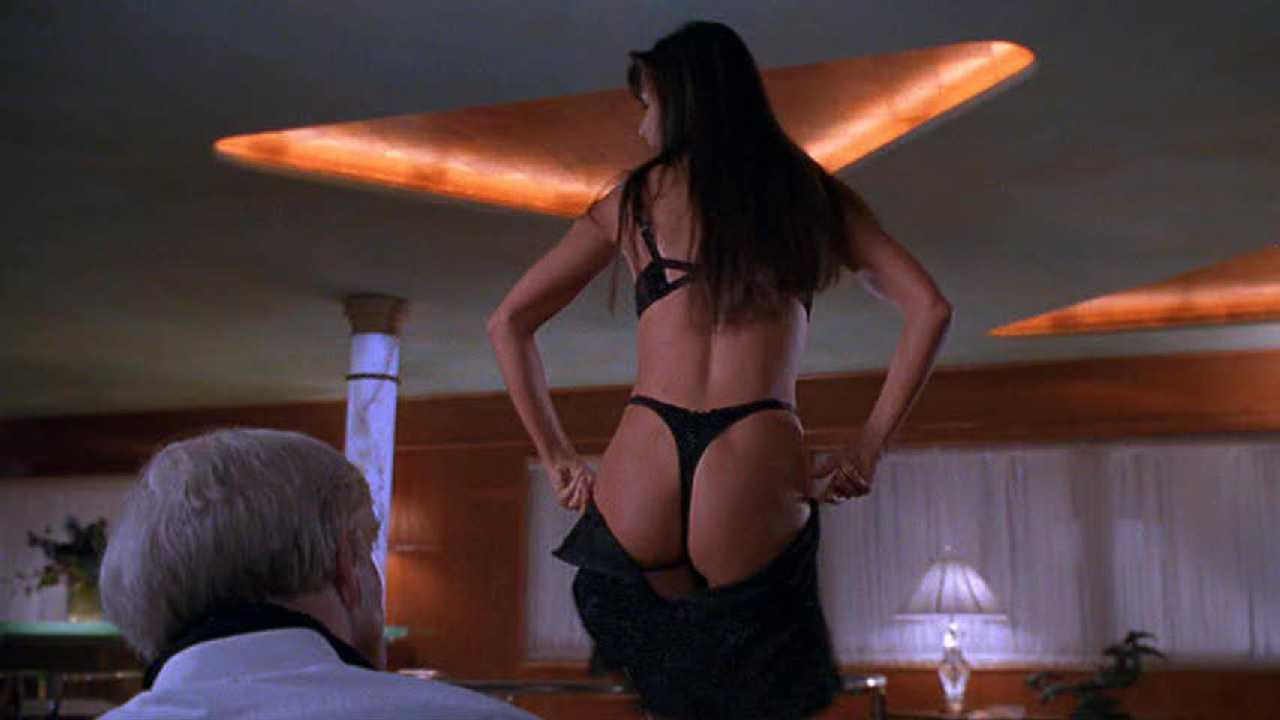 Monica bellucci sex in manuale damore scandalplanetcom - 1 2