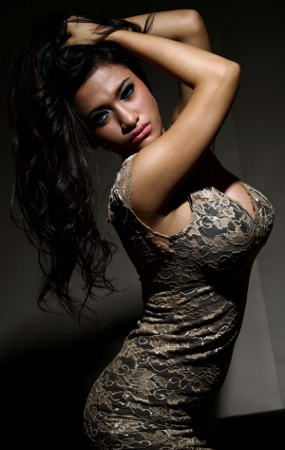 Foto Sensual Amelia Alfiani Model Seksi