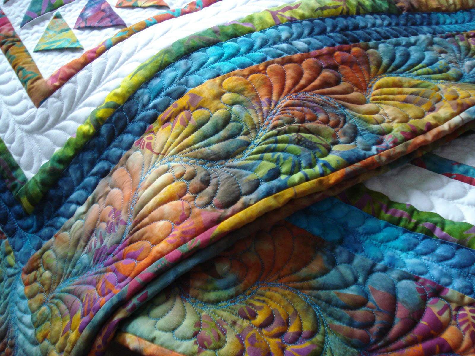 The Nifty Stitcher Prairie Point Quilt In Batiks
