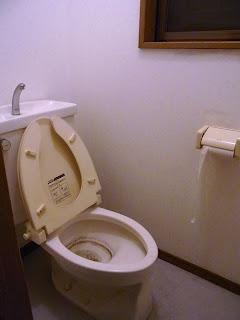 トイレ掃除ビフォー&アフター画像