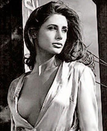 nude images of nargis fakhri