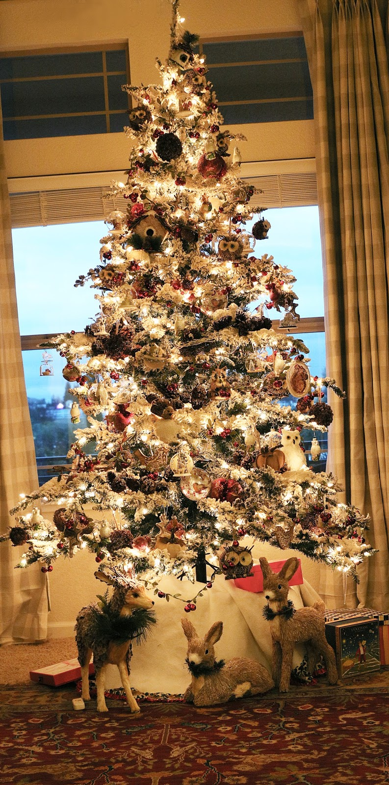 The Ornaments On This Tree Are Mostly Made From Natural Materials Like This Racbelow We Added Pinecones And Pomegranates To The Tree Too