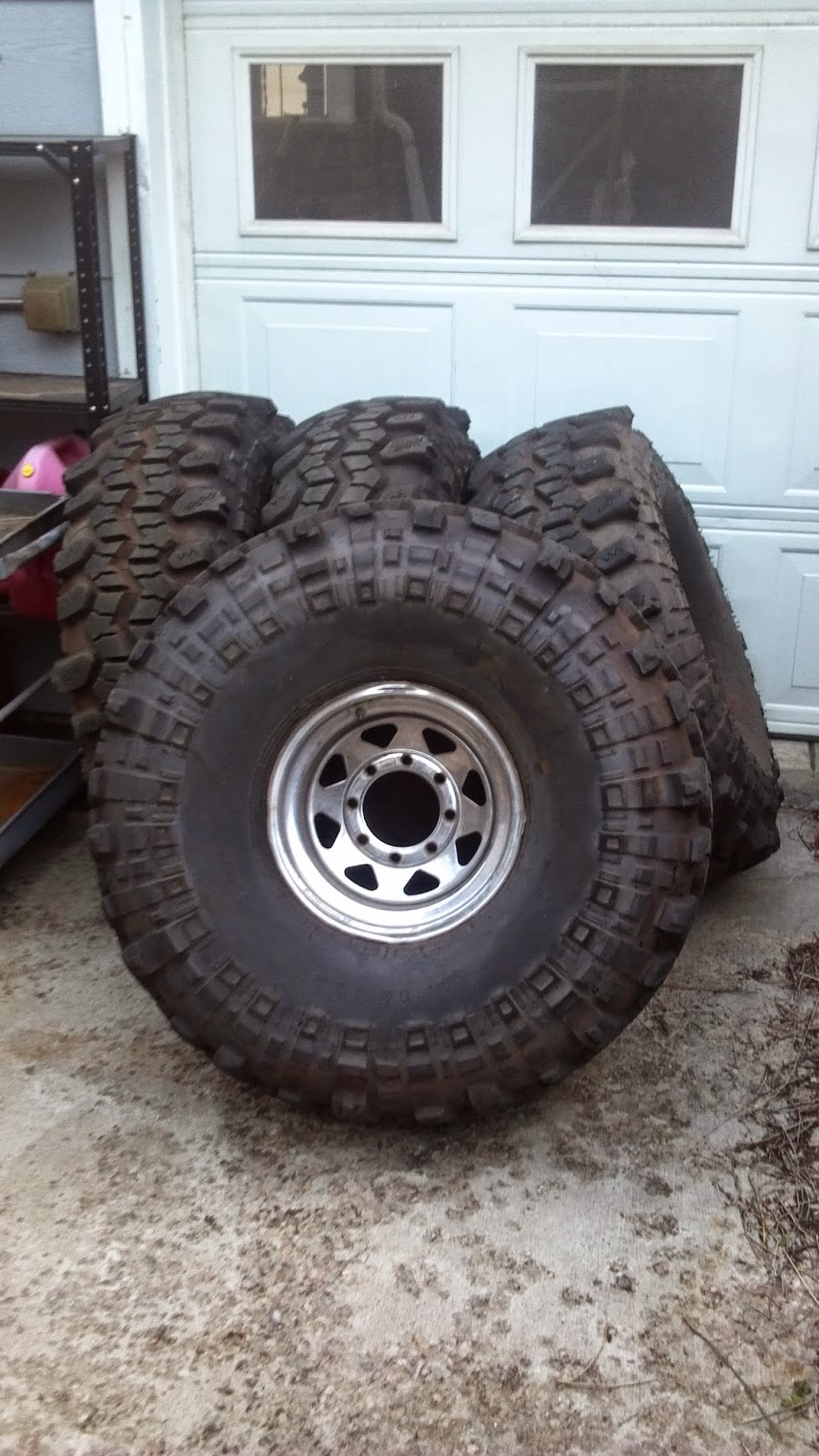 Set Of Four Almost New 42x15x15 Super Swamper Tsl Sx On 8 Lug Steel