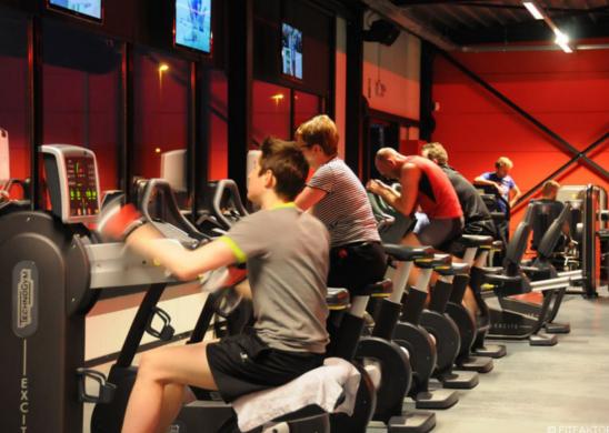 FITFAKTOR Fitness Duffel Antwerpen cardio kracht trilplaat seniorfitness