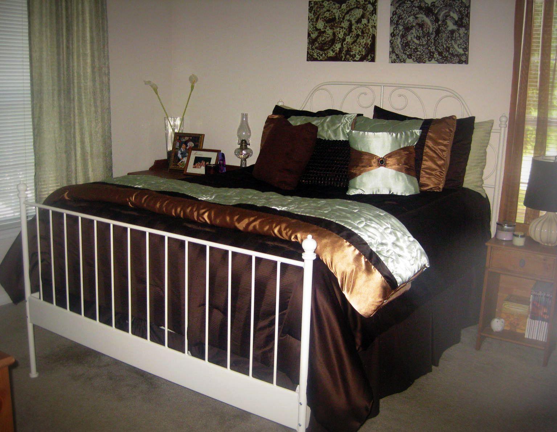 The Bargain Blonde: Home Tour Week 2: Bedroom