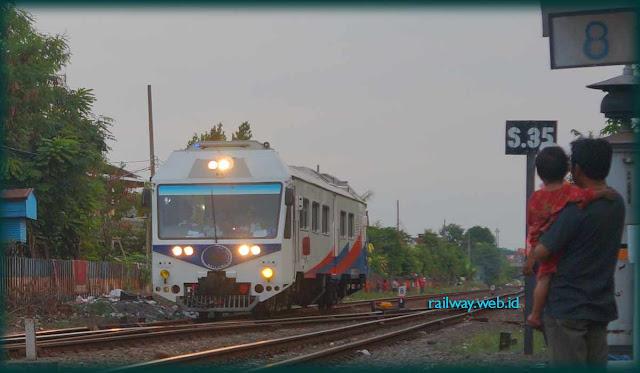 KLB Rail One Masuk Gubeng