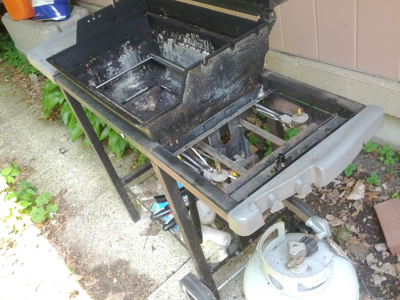 how to change gas tank on weber grill