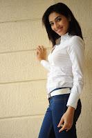 in skin fit jeans n sh...