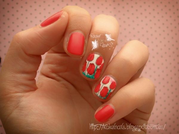 Nail art tulip