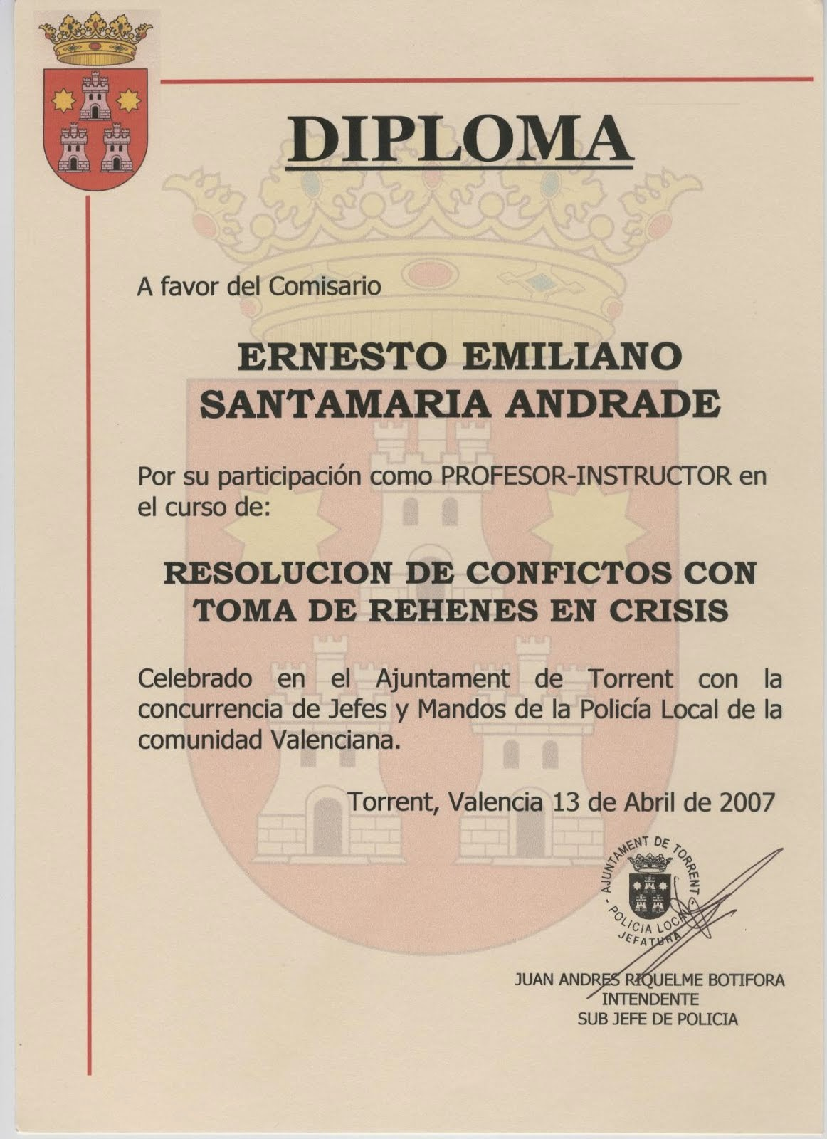 EL COMISARIO ERNESTO SANTAMARIA PROFESOR DE LA POLICÍA LOCAL DE COMUNIDAD VALENCIANA