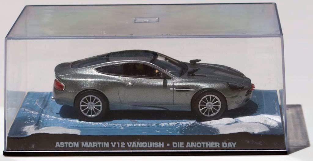 Escambo E O Escambau 007 James Bond Aston Martin V12 Vanquish