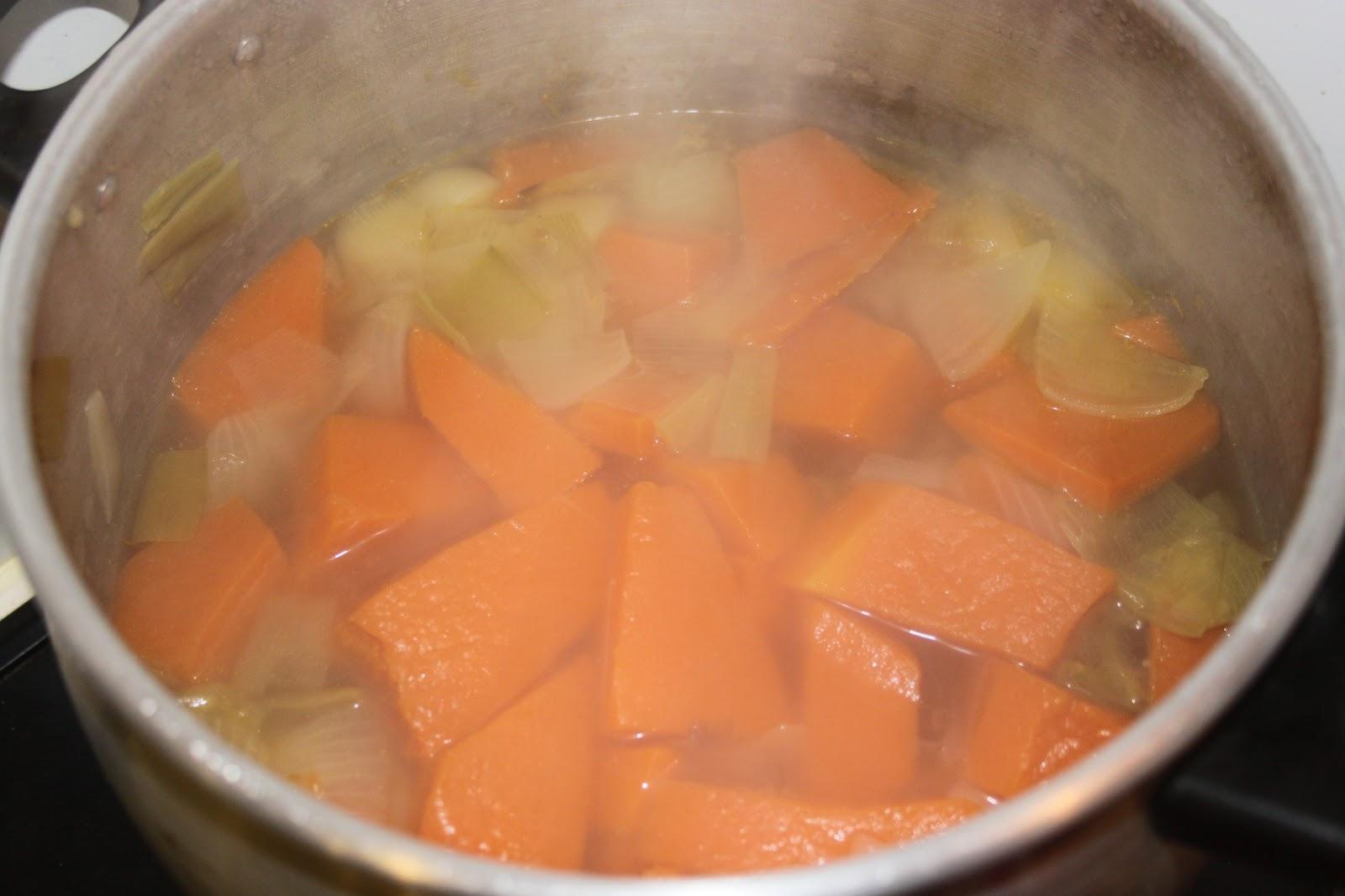 soupe potiron et gingembre la cuisine des chefs. Black Bedroom Furniture Sets. Home Design Ideas