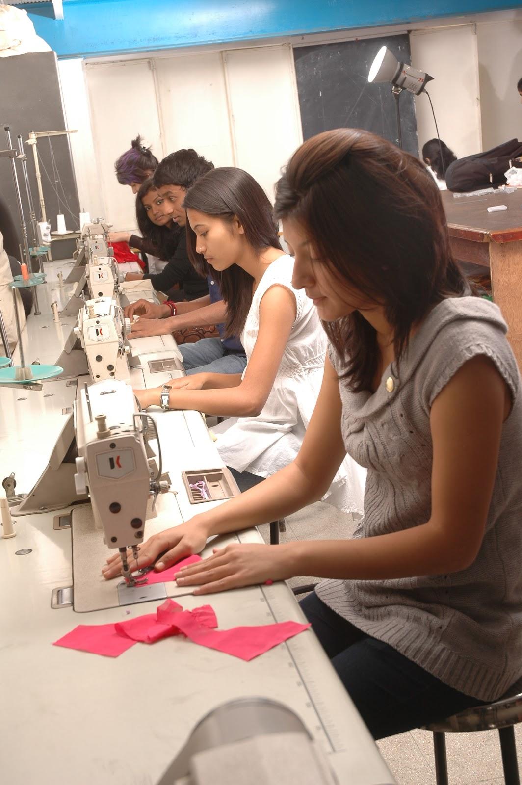 Fashion Designer Careers Mojomade