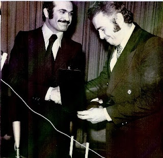 فریدون فرخزاد در مراسم جایزه شعر فروغ