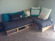 """Pretty Day """"pallet Couch"""""""