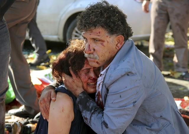 Ankara'daki bombalı saldırı, eşine sımsıkı sarıldı, yine de barış