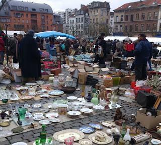 mercadillo de la plaza  du jeu balle de Bruselas