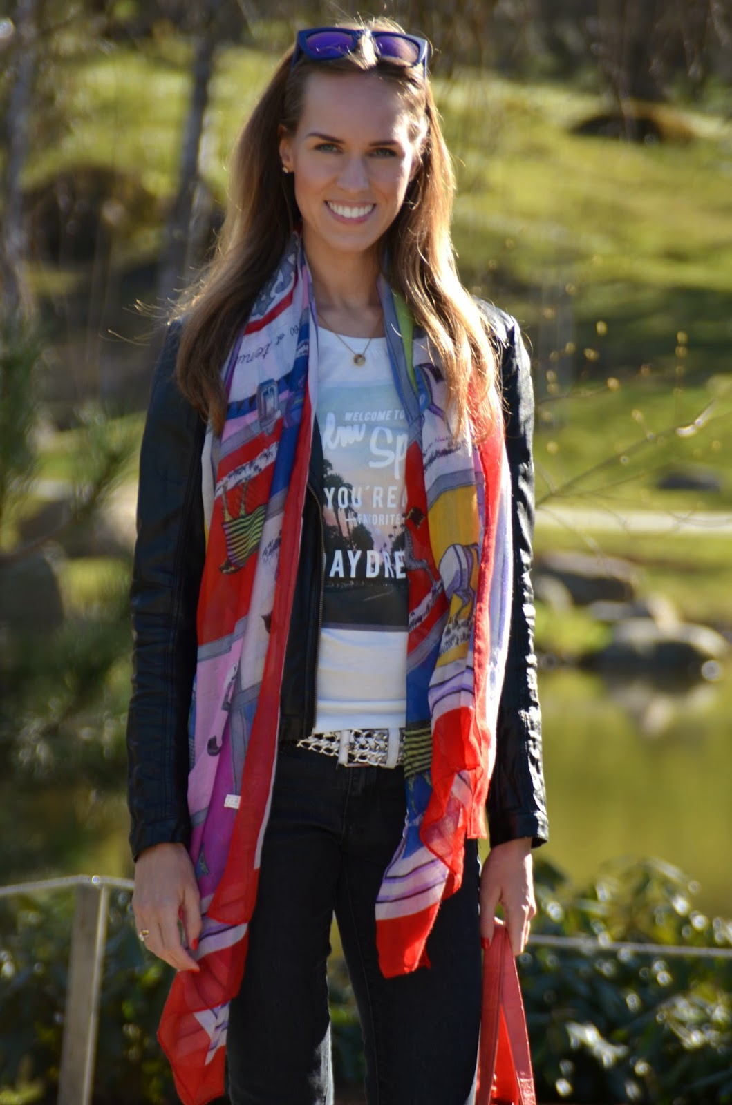 leather-jacket-long-scarf-jeans-tshirt-outfit