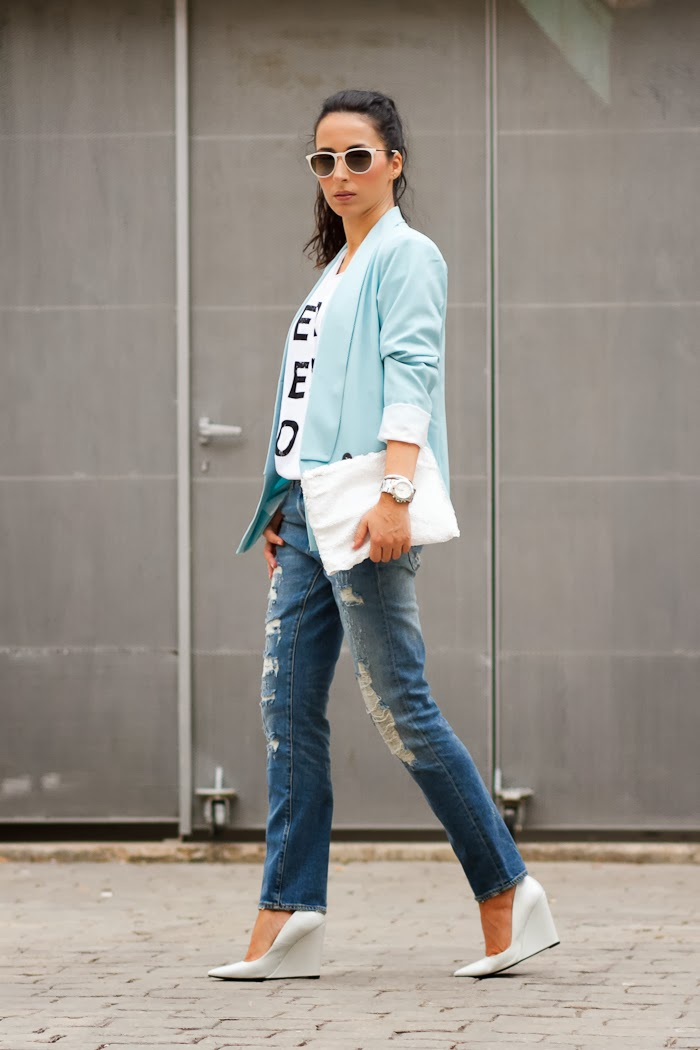 Distressed Jeans, Merci Beaucoup tee and light blue blazer